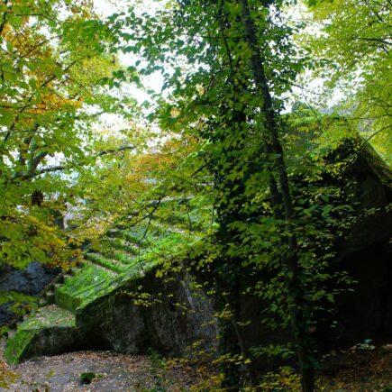 piramide etrusca di bomarzo 2